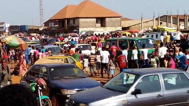 Les supporters du Syli national en liesse dans les rues de Matoto, dans la banlieue de Conakry.
