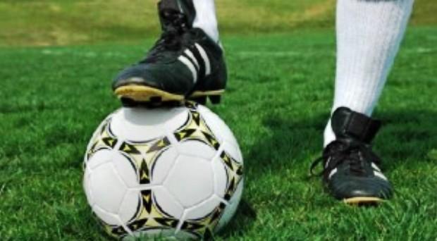 football_ballon_magres_guinee_ligue1-